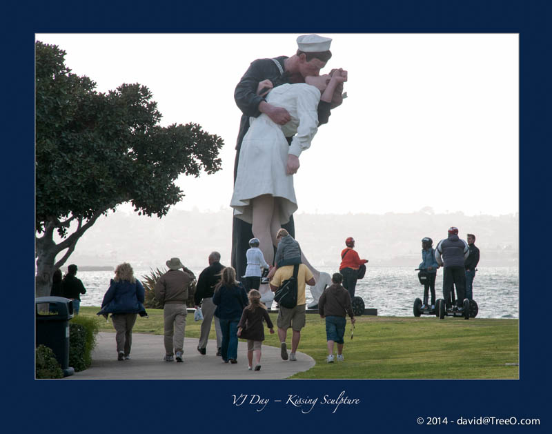 VJ Day – Kissing Sculpture